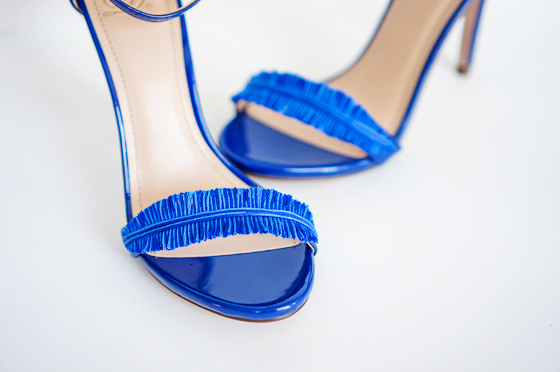 DIY_OscarDeLaRenta_Inspired_Feather_Heels_Sandals_4